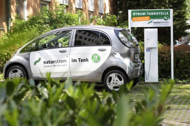 Mit Naturstrom in Deutschland und im Ausland mobil.