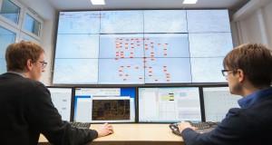 Autopilot für Übertragungsnetzbetreiber: Siemens und Partner aus Forschung und Wissenschaft eröffnen an der Technischer Universität Ilmenau eine dynamische Netzleitwarte als weltweit erste ihrer Art.