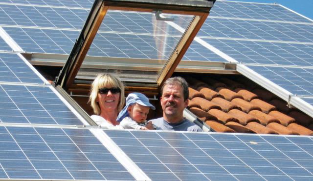 Solarstromanlage und Speicher senken Stromkosten.