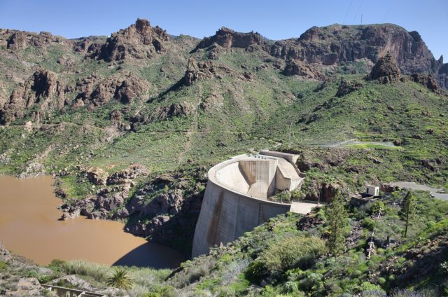 Soria Dam für sichere Wasser- und Energieversorgung